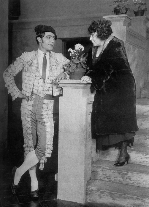 June_Mathis_and_Rudolph_Valentino para in the forests angel mirou