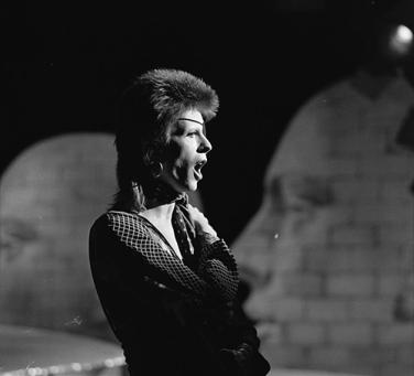 David_Bowie_-_TopPop_1974_01
