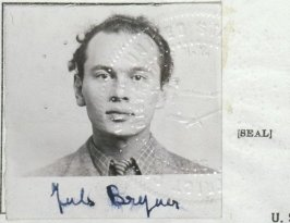 yul_brynner_immigration_portrait_and_seal