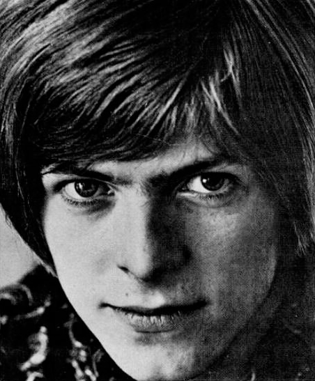 David_Bowie_(1967)